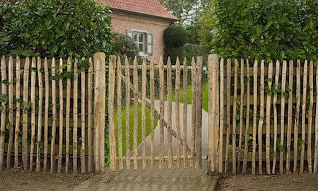 Poser un portillon de jardin cl ture de jardin - Comment poser un portillon de jardin ...