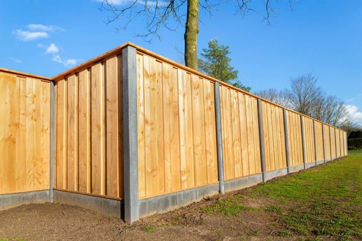 Clôtures de jardin en bois et en béton